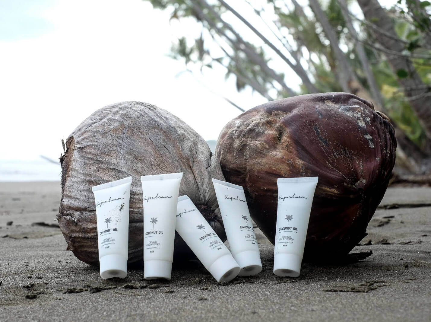 Kapuluan raw organic coconut oil is also available in Pocket-Size.