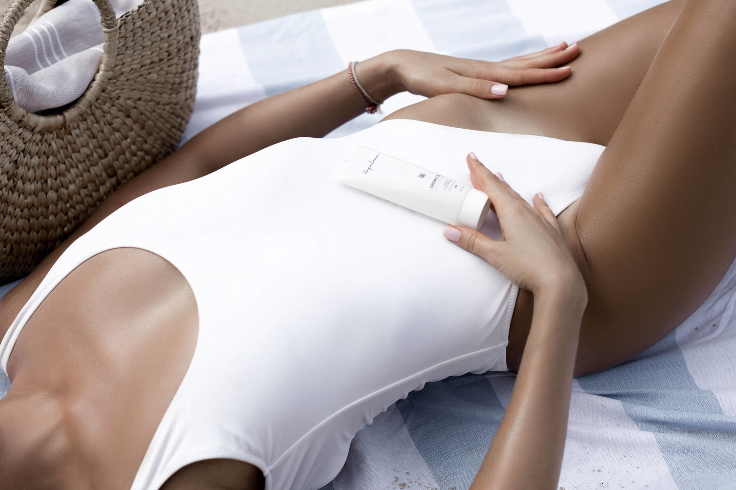 Coconut Oil for Tanning: Why You Always Need Coconut Oil With You